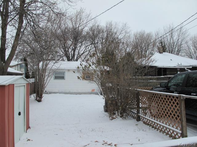 Photo 2: Photos:  in WINNIPEG: East Kildonan Residential for sale (North East Winnipeg)  : MLS®# 1502058