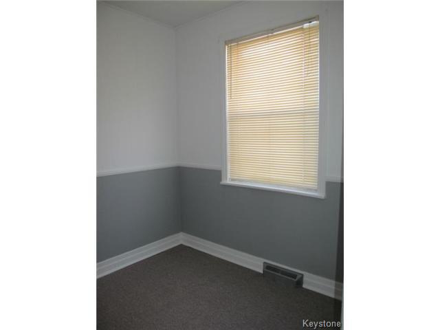 Photo 11: Photos:  in WINNIPEG: East Kildonan Residential for sale (North East Winnipeg)  : MLS®# 1502058