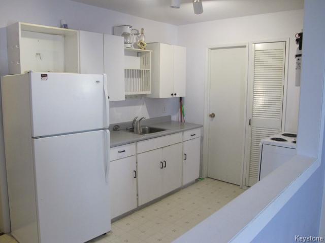 Photo 4: Photos:  in WINNIPEG: East Kildonan Residential for sale (North East Winnipeg)  : MLS®# 1502058