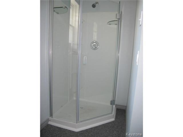 Photo 15: Photos:  in WINNIPEG: East Kildonan Residential for sale (North East Winnipeg)  : MLS®# 1502058