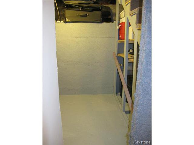 Photo 19: Photos:  in WINNIPEG: East Kildonan Residential for sale (North East Winnipeg)  : MLS®# 1502058