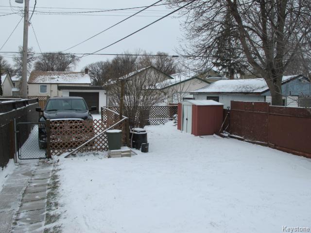 Photo 3: Photos:  in WINNIPEG: East Kildonan Residential for sale (North East Winnipeg)  : MLS®# 1502058