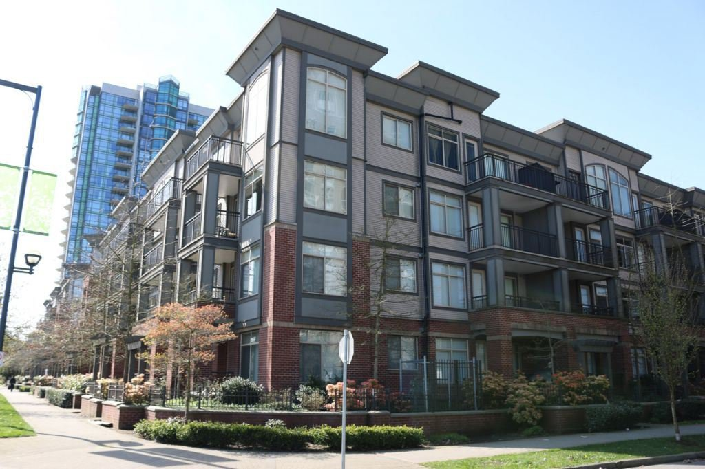 """Main Photo: 404 10499 UNIVERSITY Drive in Surrey: Whalley Condo for sale in """"D'Cor+"""" (North Surrey)  : MLS®# R2068667"""