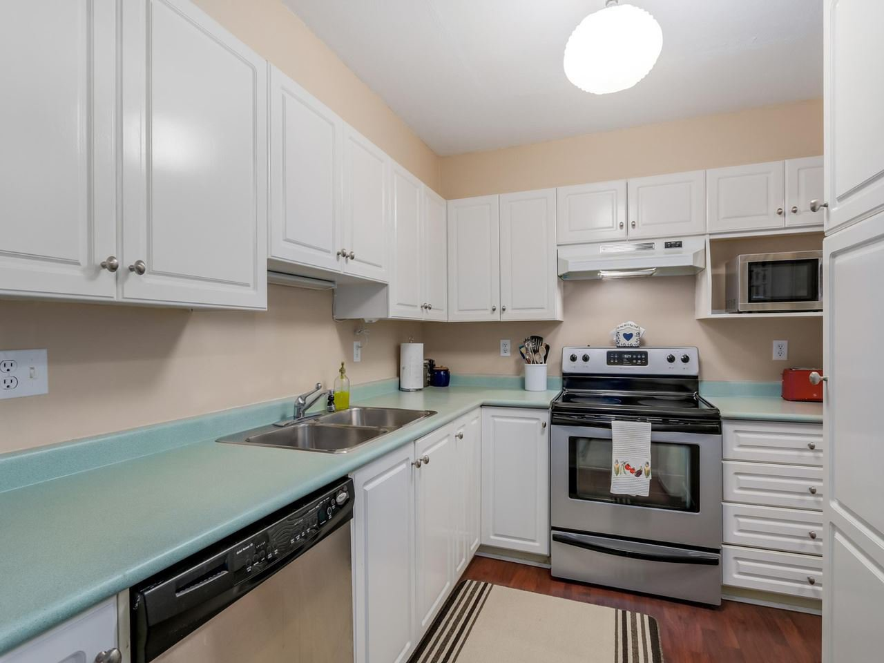 Photo 6: Photos: 107 515 WHITING Way in Coquitlam: Coquitlam West Condo for sale : MLS®# R2073119
