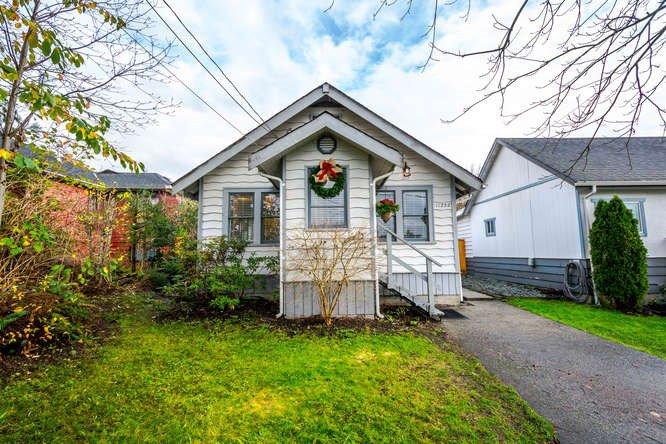 Main Photo: 11252 DARTFORD Street in Maple Ridge: Southwest Maple Ridge House for sale : MLS®# R2143100