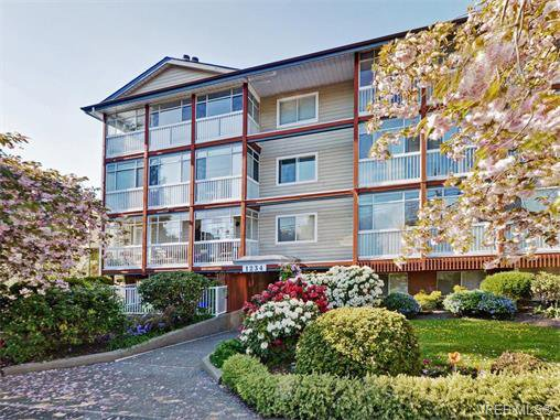 Main Photo: 404 1234 Fort Street in VICTORIA: Vi Downtown Condo Apartment for sale (Victoria)  : MLS®# 374729