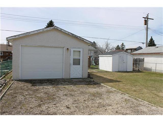 Photo 2: Photos: 85 Lochmoor Avenue in Winnipeg: Windsor Park Residential for sale (2G)  : MLS®# 1709029