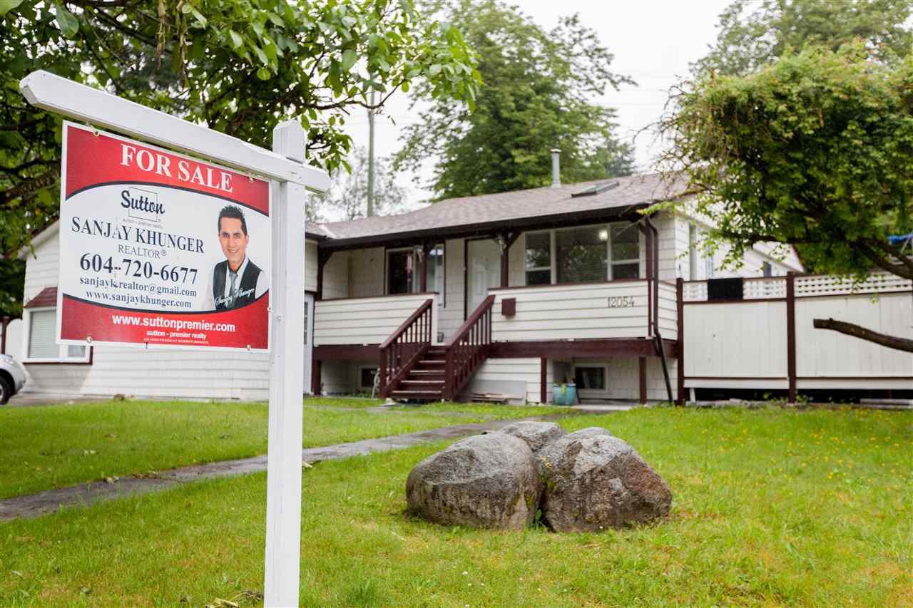 Main Photo: 12054 100 Avenue in Surrey: Cedar Hills House for sale (North Surrey)  : MLS®# R2178940