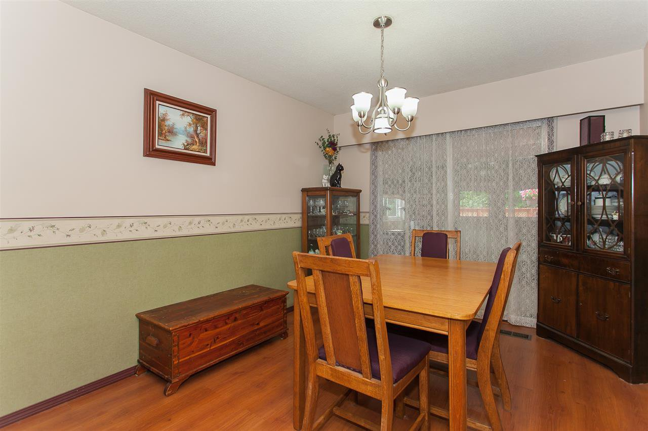 Photo 8: Photos: 2543 ALDERVIEW Street in Abbotsford: Central Abbotsford House for sale : MLS®# R2187032