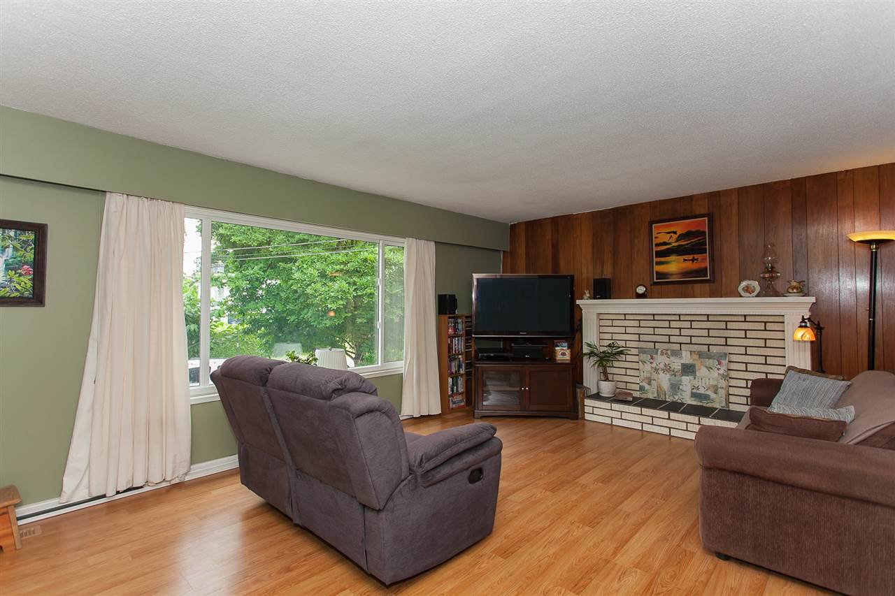Photo 6: Photos: 2543 ALDERVIEW Street in Abbotsford: Central Abbotsford House for sale : MLS®# R2187032