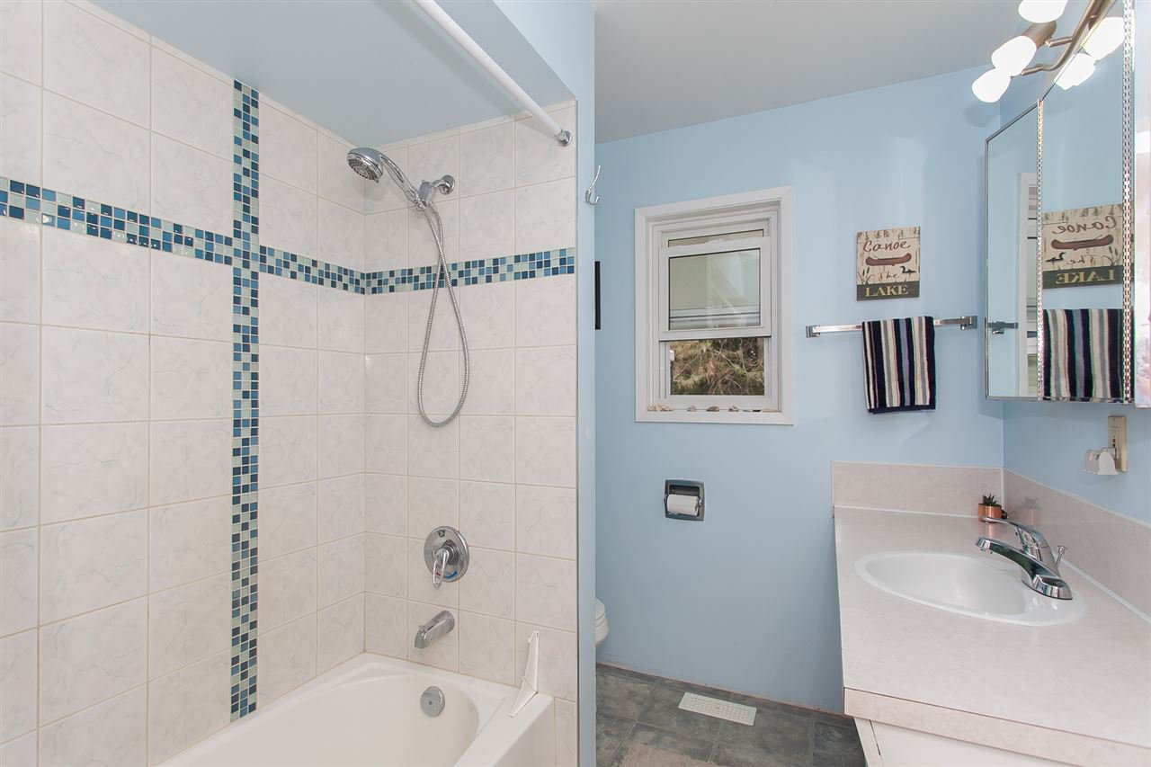 Photo 16: Photos: 2543 ALDERVIEW Street in Abbotsford: Central Abbotsford House for sale : MLS®# R2187032