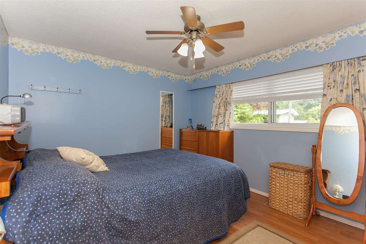 Photo 12: Photos: 2543 ALDERVIEW Street in Abbotsford: Central Abbotsford House for sale : MLS®# R2187032
