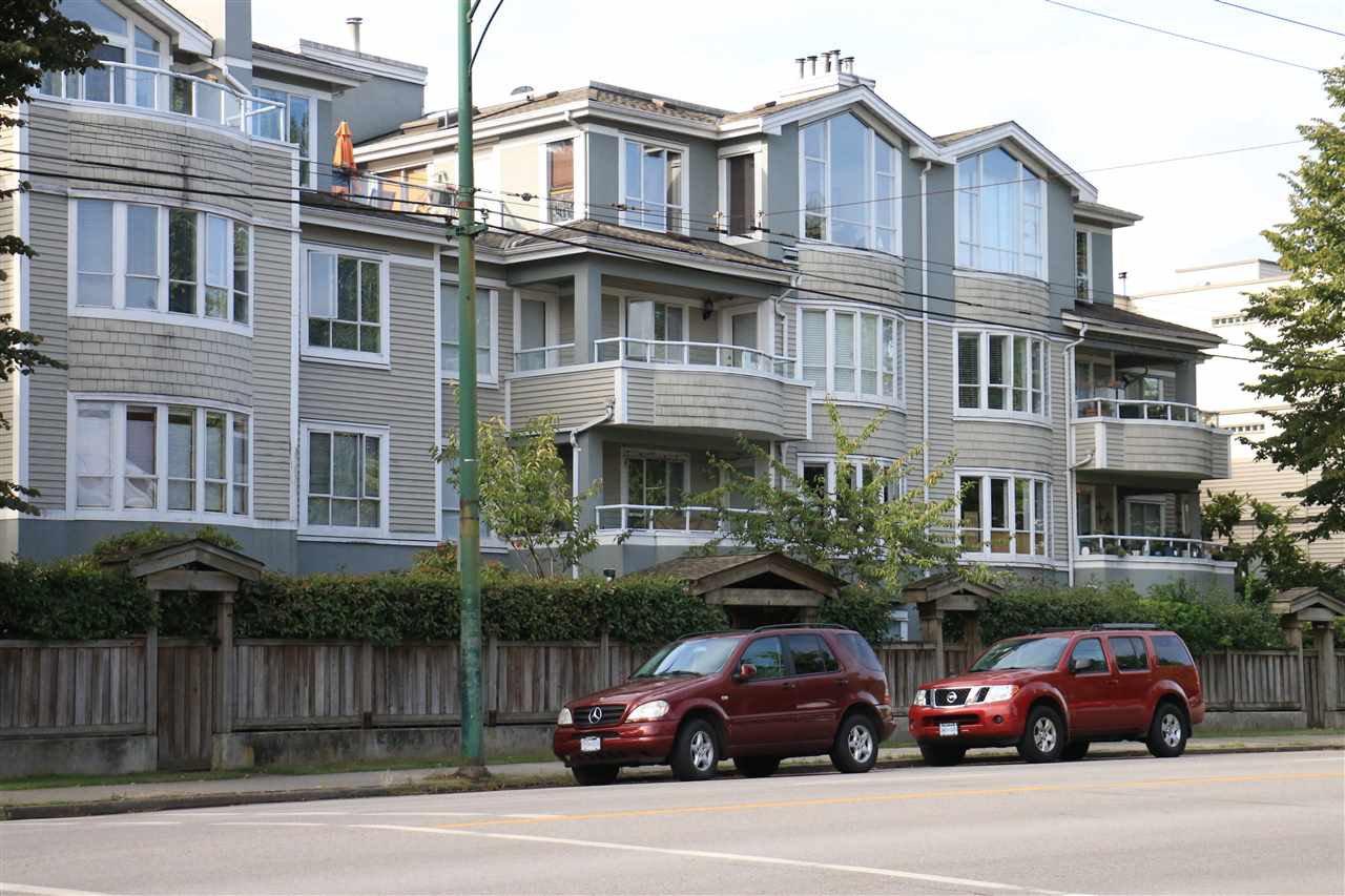 Main Photo: 202 3220 W 4TH Avenue in Vancouver: Kitsilano Condo for sale (Vancouver West)  : MLS®# R2204725