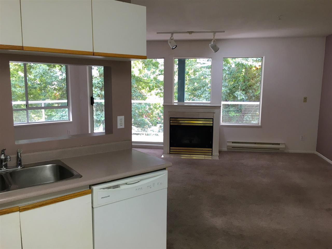 "Photo 4: Photos: 207 27358 32 Avenue in Langley: Aldergrove Langley Condo for sale in ""Willow Creek"" : MLS®# R2207746"