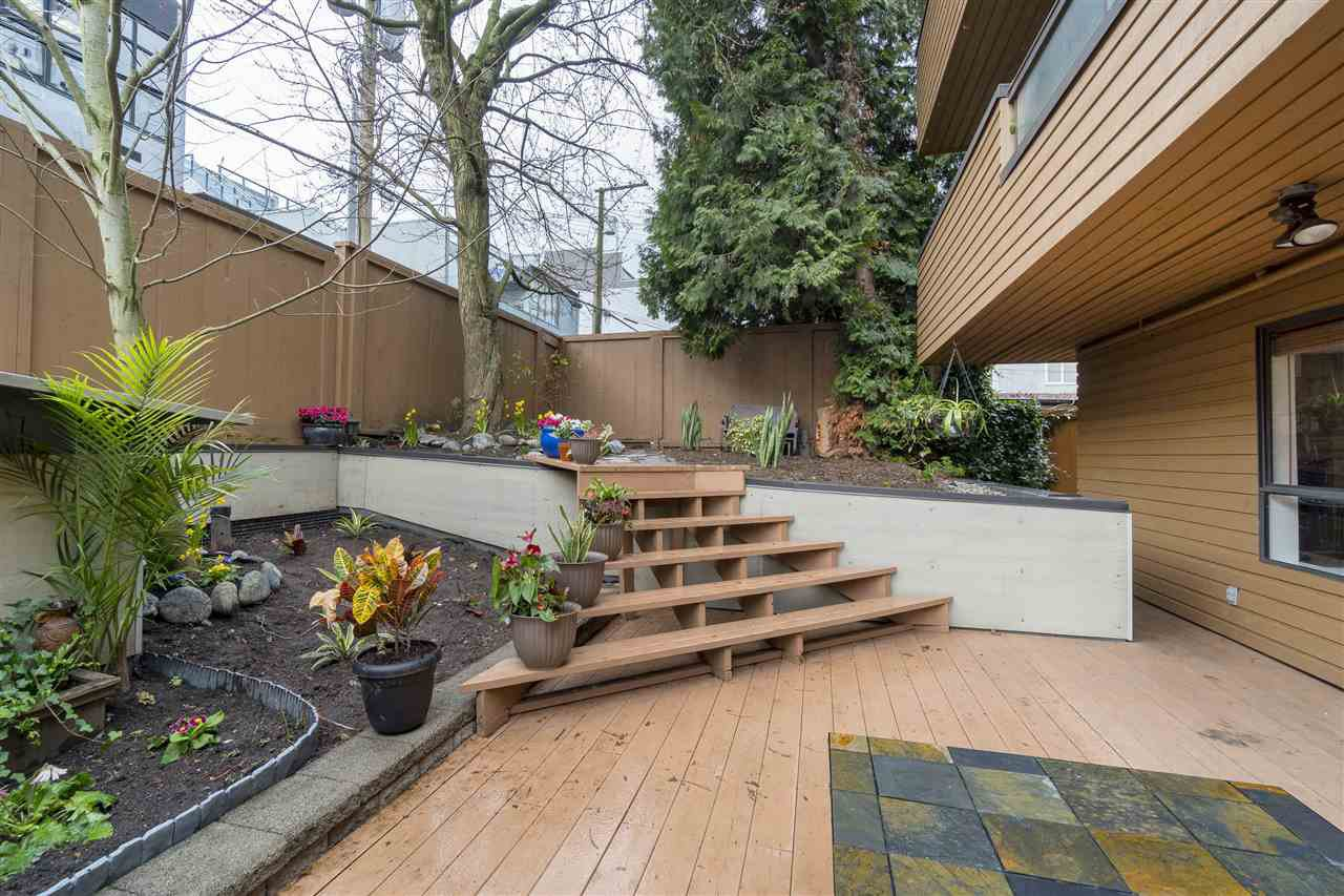 Main Photo: 108 1930 W 3RD AVENUE in Vancouver: Kitsilano Condo for sale (Vancouver West)  : MLS®# R2238894