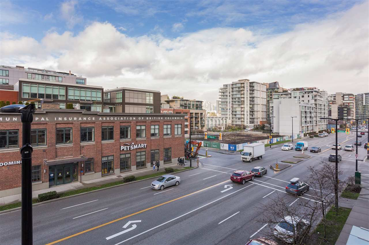 "Photo 19: Photos: 306 2055 YUKON Street in Vancouver: False Creek Condo for sale in ""MONTREUX"" (Vancouver West)  : MLS®# R2238988"