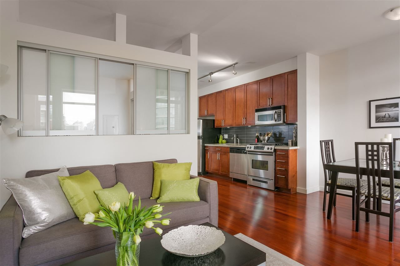"Main Photo: 306 2055 YUKON Street in Vancouver: False Creek Condo for sale in ""MONTREUX"" (Vancouver West)  : MLS®# R2238988"