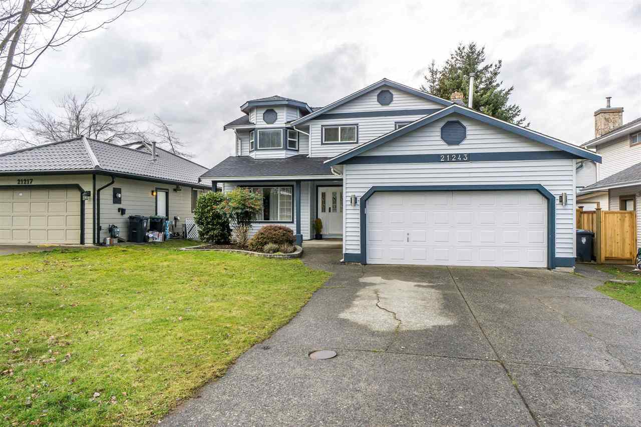 """Main Photo: 21243 86A Crescent in Langley: Walnut Grove House for sale in """"Forest Hills"""" : MLS®# R2239217"""