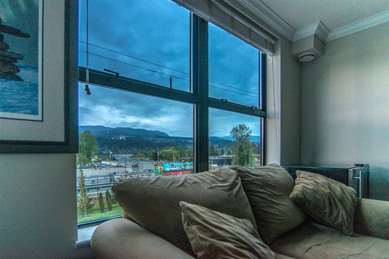 Main Photo: 3008 84 GRANT Street in Port Moody: Port Moody Centre Condo for sale : MLS®# R2261798