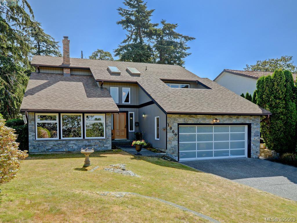 Main Photo: 1000 HIGHROCK Ave in VICTORIA: Es Rockheights Single Family Detached for sale (Esquimalt)  : MLS®# 793140