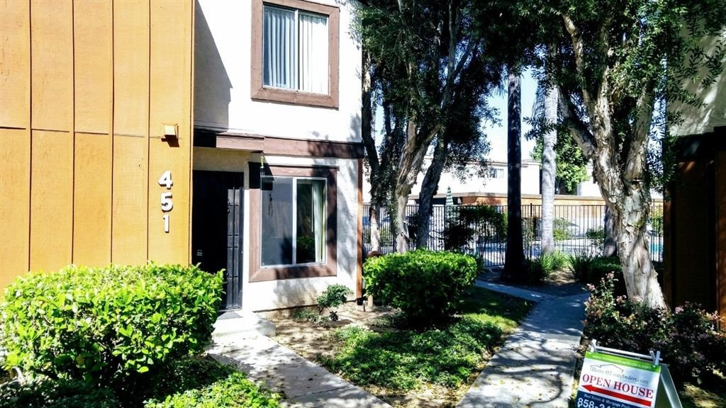 Main Photo: EL CAJON Townhome for sale : 2 bedrooms : 451 S Lincoln Ave