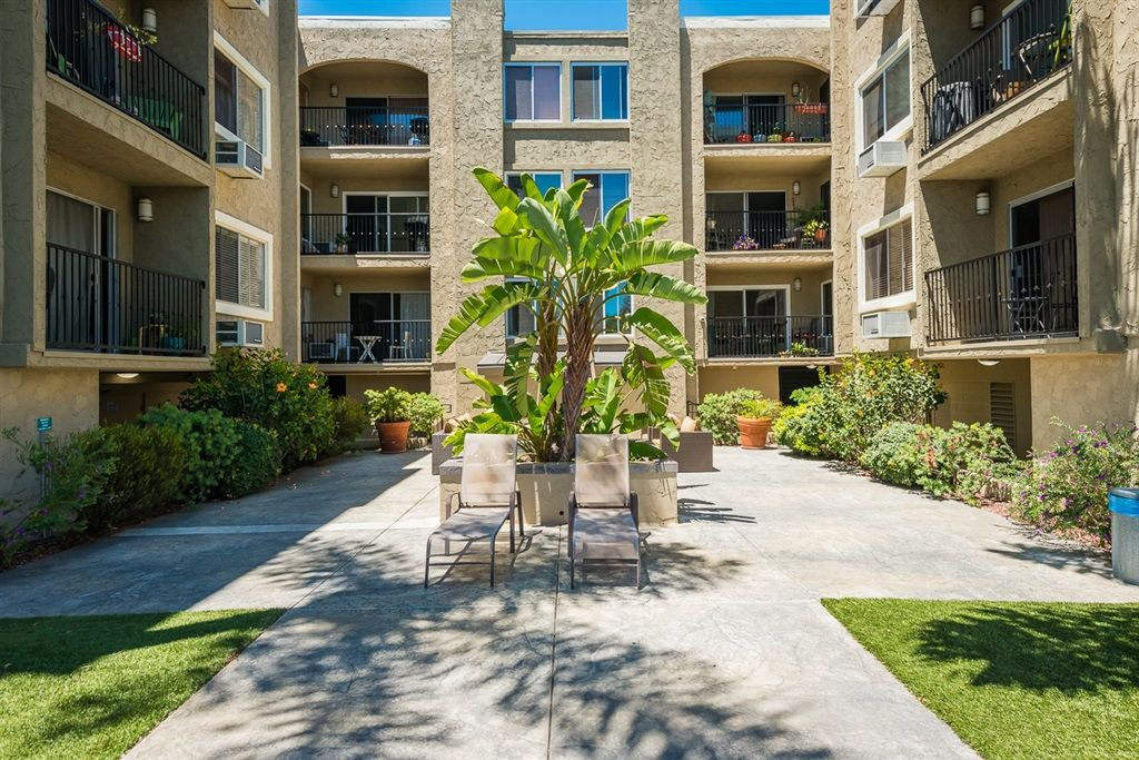 Main Photo: MISSION HILLS Condo for sale : 2 bedrooms : 836 W Pennsylvania Ave #205 in San Diego