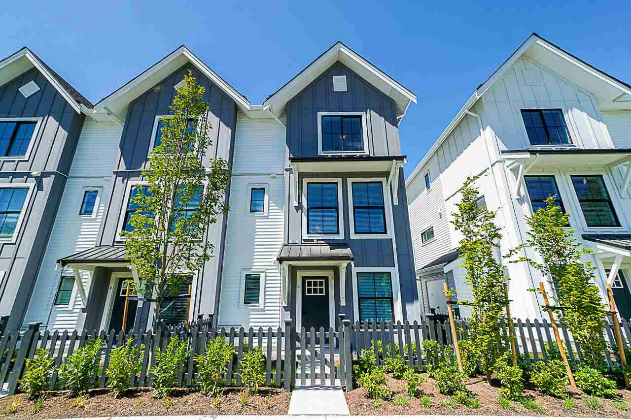 "Main Photo: 48 5940 176A Street in Surrey: Cloverdale BC Townhouse for sale in ""Crimson"" (Cloverdale)  : MLS®# R2378326"