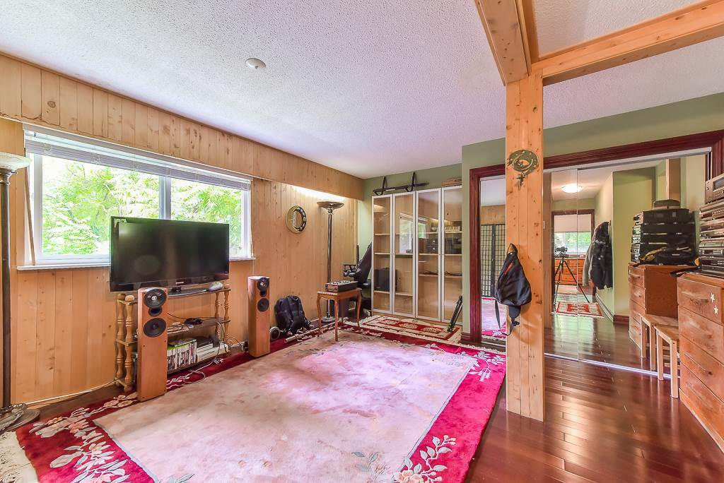 Photo 17: Photos: 1749 SHERIDAN Avenue in Coquitlam: Central Coquitlam House for sale : MLS®# R2396169