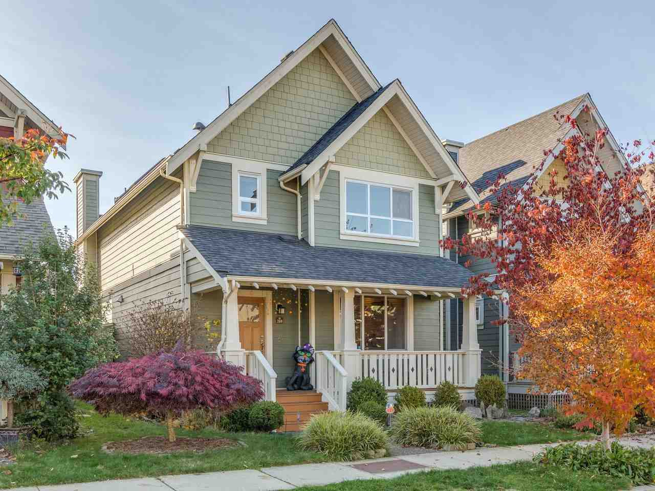 Main Photo: 260 FURNESS Street in New Westminster: Queensborough House for sale : MLS®# R2415514