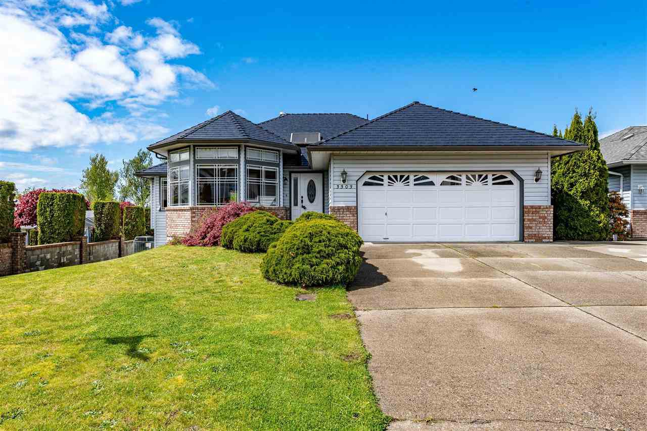 Main Photo: 3303 FIRHILL Drive in Abbotsford: Abbotsford West House for sale : MLS®# R2452579