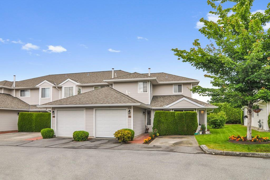 """Main Photo: 41 21928 48 Avenue in Langley: Murrayville Townhouse for sale in """"Murrayville Glen"""" : MLS®# R2471962"""