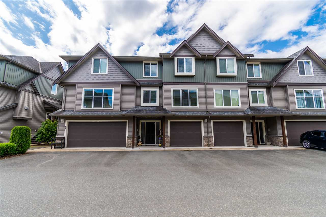 """Main Photo: 12 1609 AGASSIZ-ROSEDALE NO 9 Highway: Agassiz Townhouse for sale in """"FRASER GREEN"""" : MLS®# R2485234"""