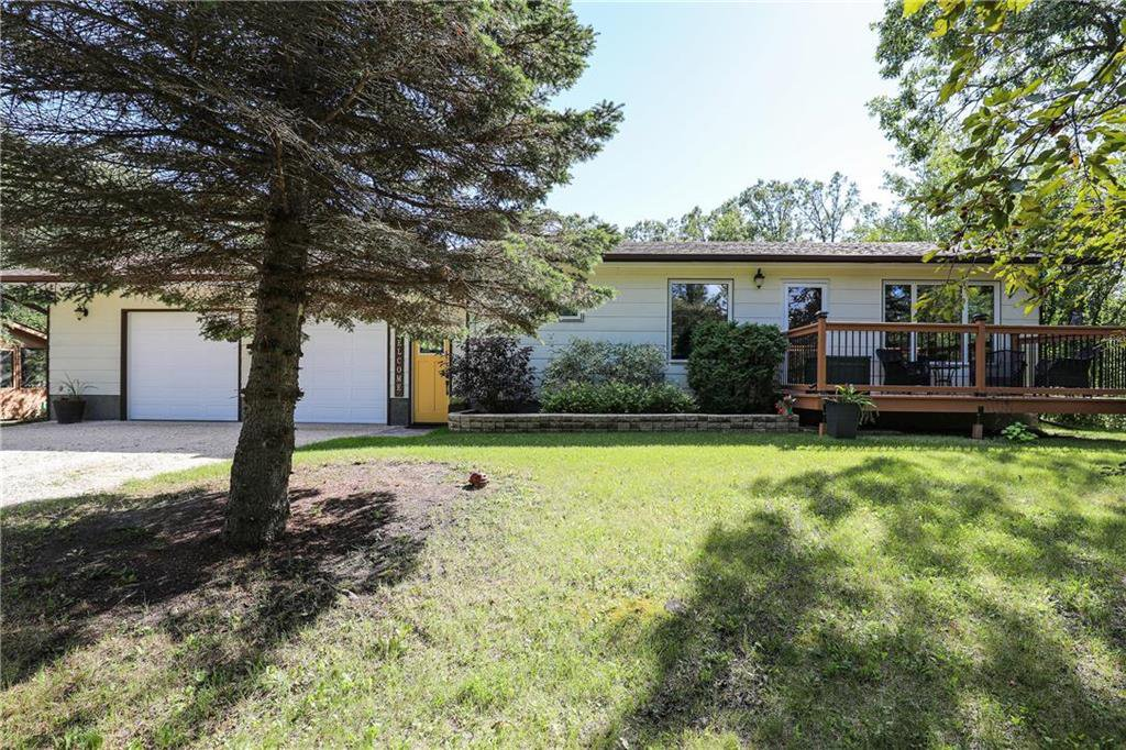Main Photo: 38146 Quarry Oaks Road in Ste Anne: R16 Residential for sale : MLS®# 202022599