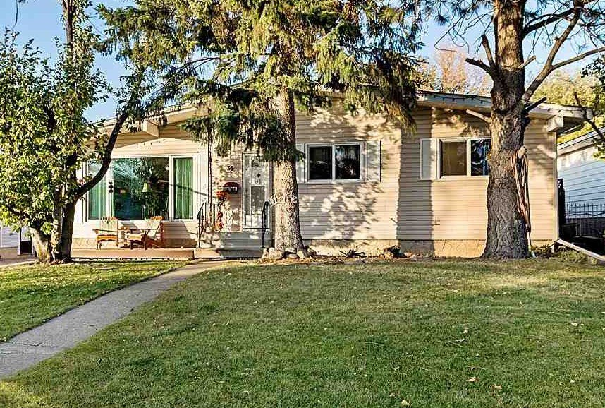 Main Photo: 35 MENLO Crescent: Sherwood Park House for sale : MLS®# E4217389