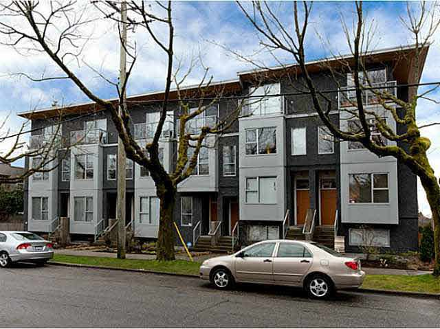 Photo 1: Photos: 3098 QUEBEC ST in Vancouver: Mount Pleasant VE Townhouse for sale (Vancouver East)  : MLS®# V1032344