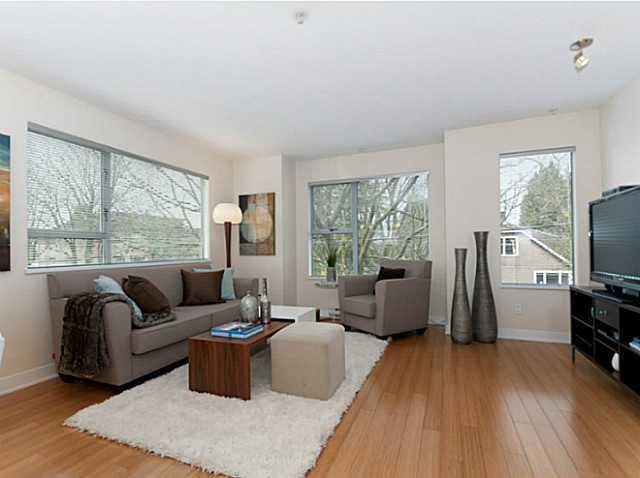 Photo 5: Photos: 3098 QUEBEC ST in Vancouver: Mount Pleasant VE Townhouse for sale (Vancouver East)  : MLS®# V1032344