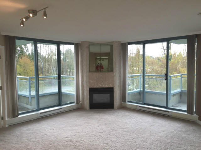 Main Photo: 203 13353 108TH Avenue in Surrey: Whalley Condo for sale (North Surrey)  : MLS®# F1435825