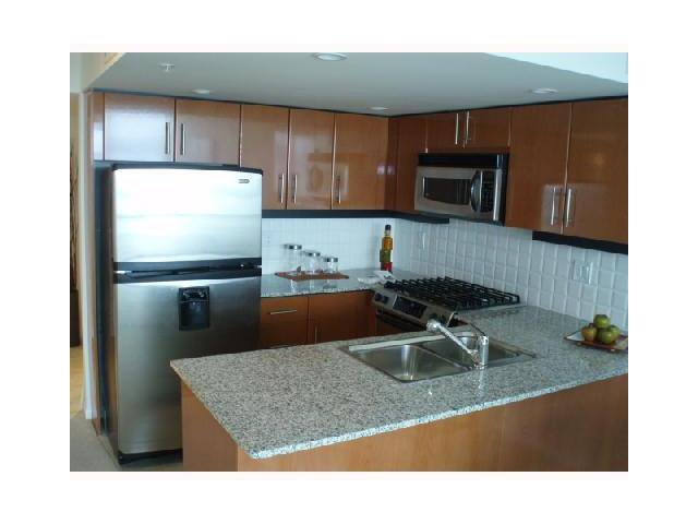 Photo 2: Photos: 705 188 E ESPLANADE STREET in : Lower Lonsdale Condo for sale (North Vancouver)  : MLS®# V848019