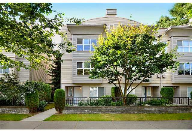 "Main Photo: 56 12449 191 Street in Pitt Meadows: Mid Meadows Townhouse for sale in ""WINDSOR CROSSING"" : MLS®# R2012378"