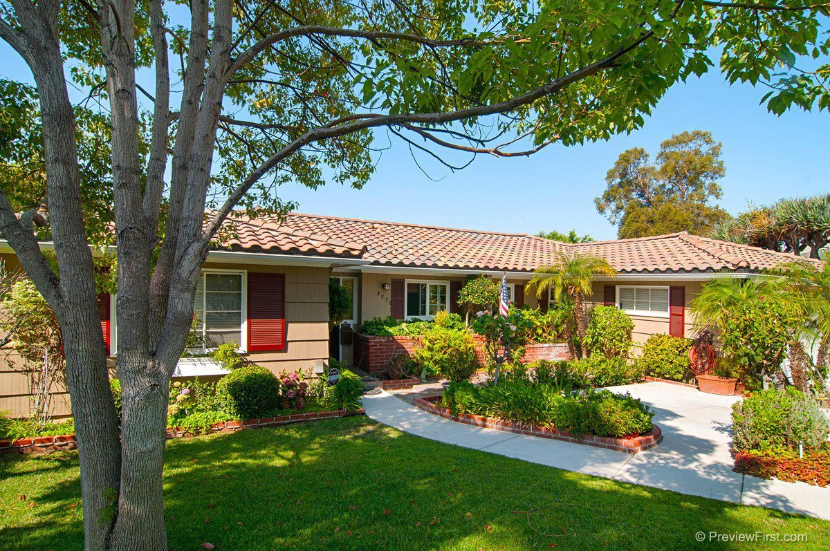 Main Photo: SAN DIEGO House for sale : 6 bedrooms : 4938 Cresita Drive