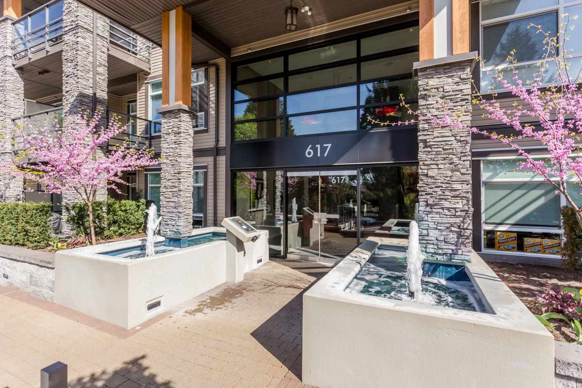 "Main Photo: 115 617 SMITH Avenue in Coquitlam: Coquitlam West Condo for sale in ""THE EASTON"" : MLS®# R2059400"