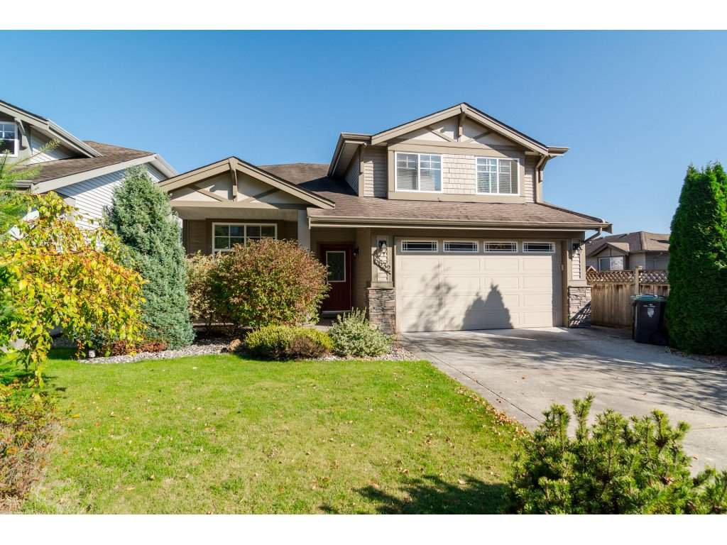 "Main Photo: 6632 206 Street in Langley: Willoughby Heights House for sale in ""BERKSHIRE"" : MLS®# R2113542"
