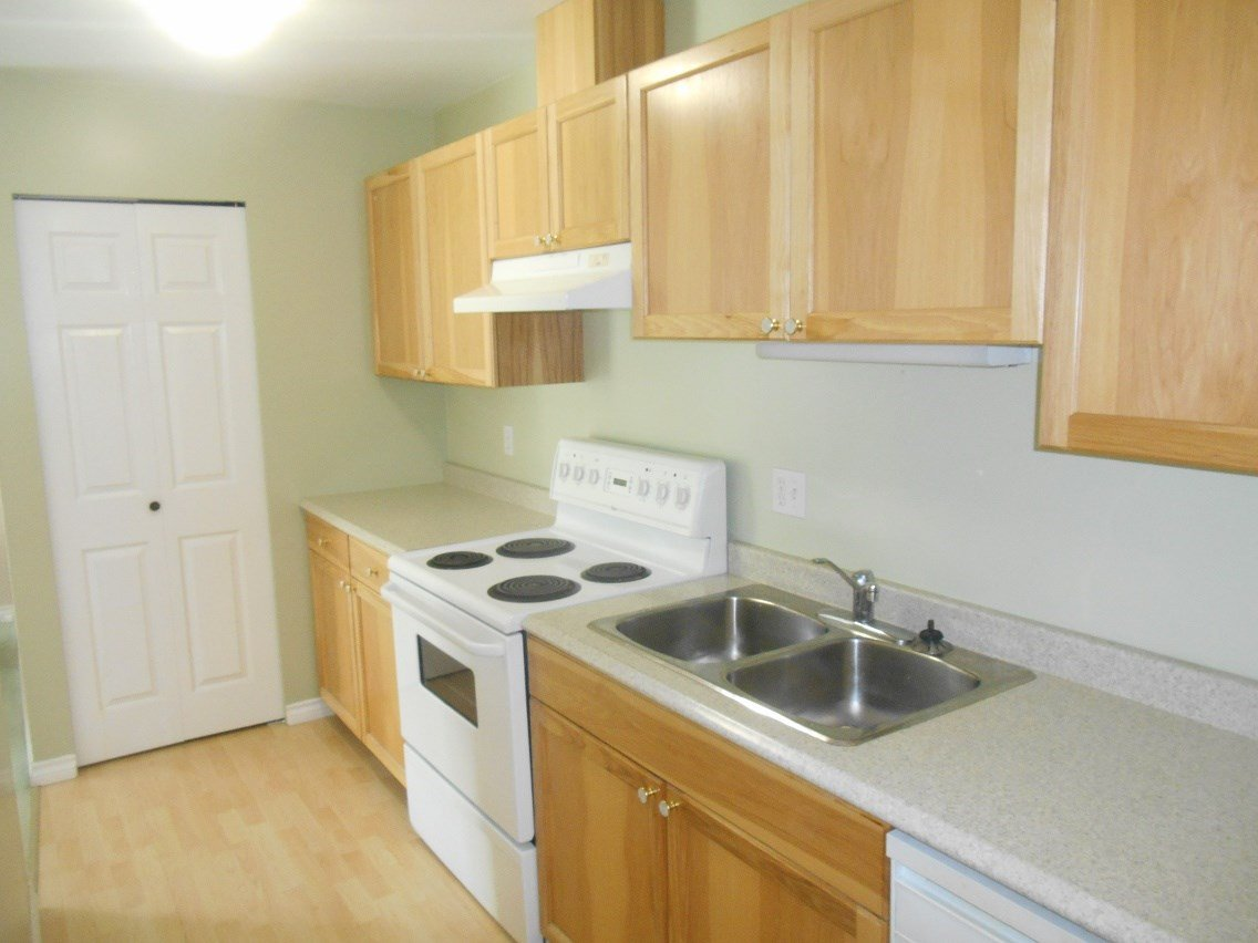 Photo 5: Photos: 321 3033 OSPIKA Boulevard in Prince George: Carter Light Condo for sale (PG City West (Zone 71))  : MLS®# R2137642