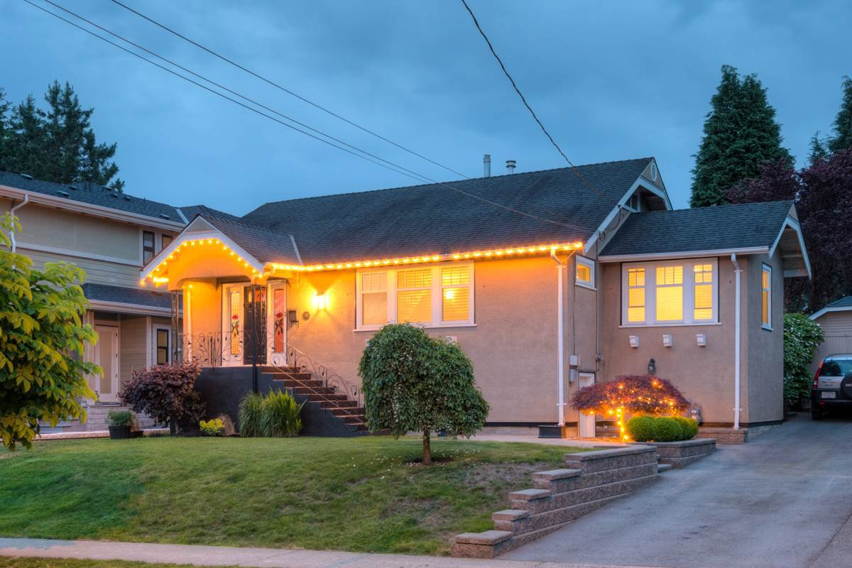 "Main Photo: 224 DURHAM Street in New Westminster: GlenBrooke North House for sale in ""GLENBROOKE NORTH"" : MLS®# R2175772"