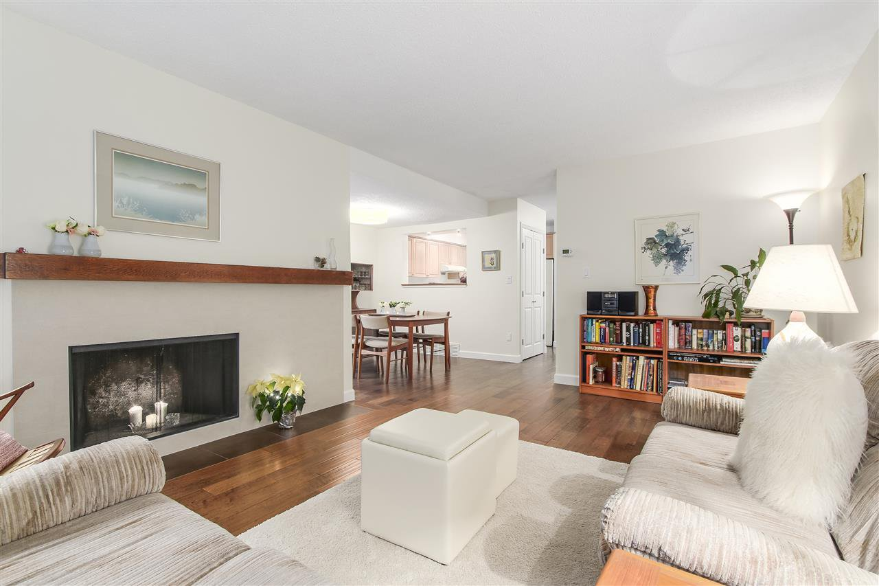 """Main Photo: 4765 FERNGLEN Court in Burnaby: Greentree Village Townhouse for sale in """"GREENTREE VILLAGE"""" (Burnaby South)  : MLS®# R2225327"""