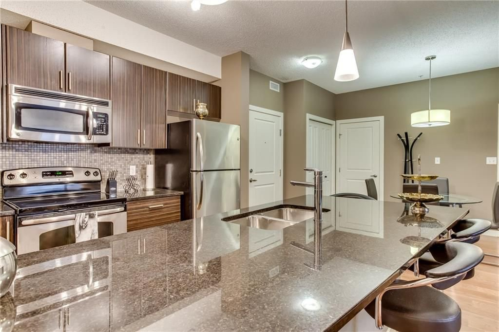 Photo 5: Photos: 336 23 MILLRISE Drive SW in Calgary: Millrise Condo for sale : MLS®# C4183839