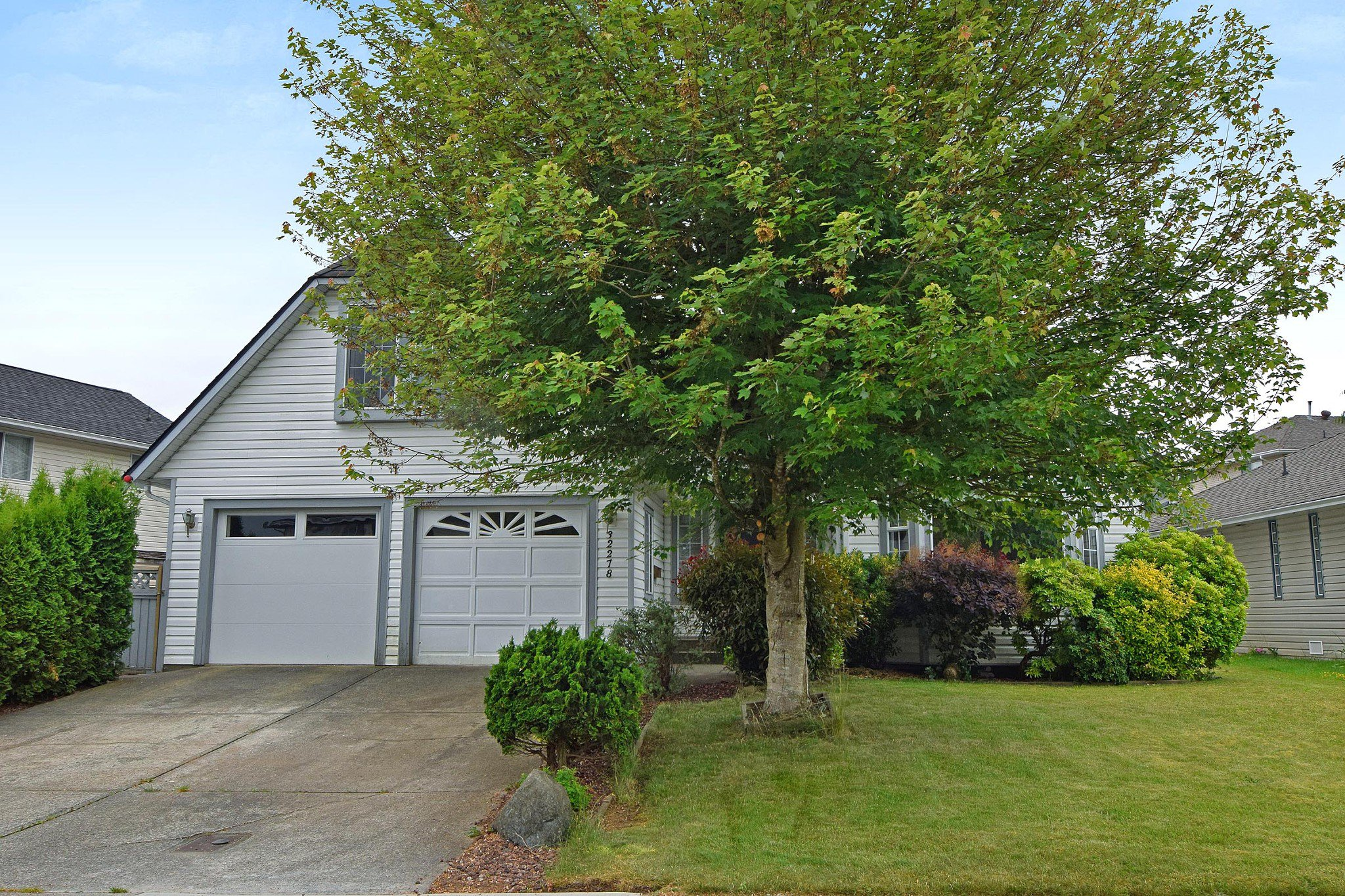 "Main Photo: 32278 ROGERS Avenue in Abbotsford: Abbotsford West House for sale in ""Fairfield Estates"" : MLS®# R2275565"