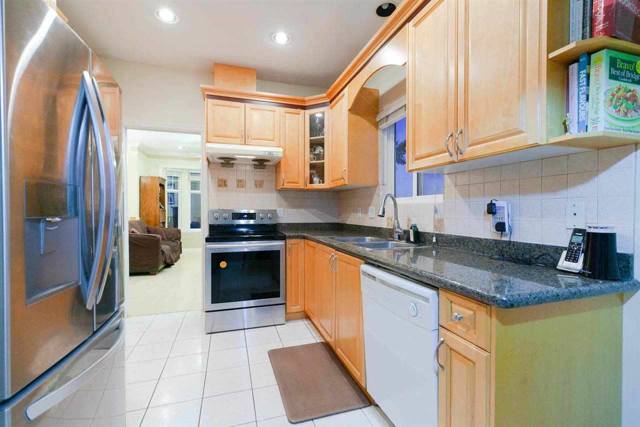 Photo 4: Photos: 1583 EAST 41ST Avenue in Vancouver: Knight House for sale (Vancouver East)  : MLS®# R2308013