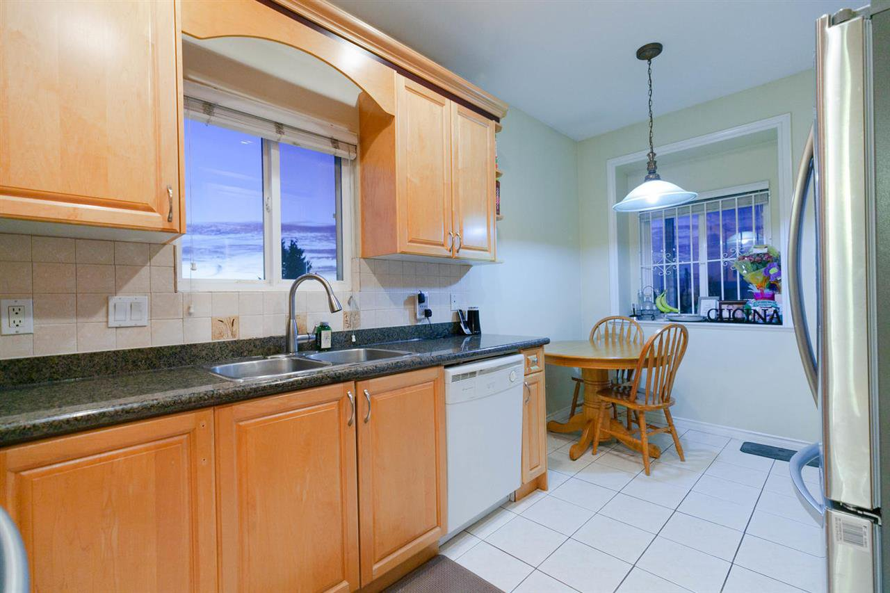 Photo 5: Photos: 1583 EAST 41ST Avenue in Vancouver: Knight House for sale (Vancouver East)  : MLS®# R2308013