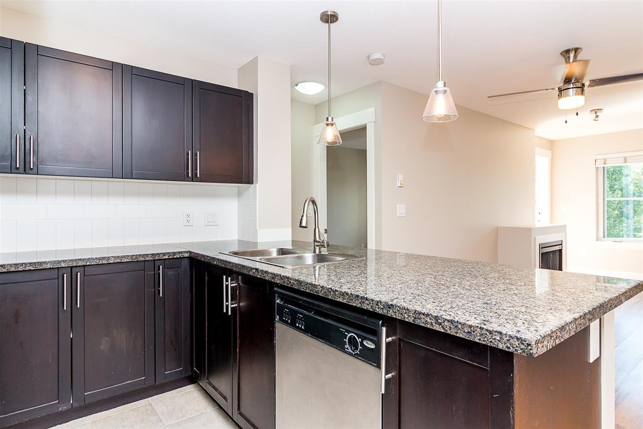 """Photo 5: Photos: 414 12283 224TH Street in Maple Ridge: East Central Condo for sale in """"THE MAXX"""" : MLS®# R2309485"""